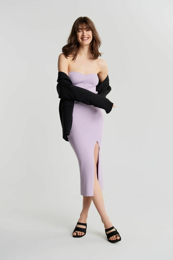 stickad lila klänning från gina tricot