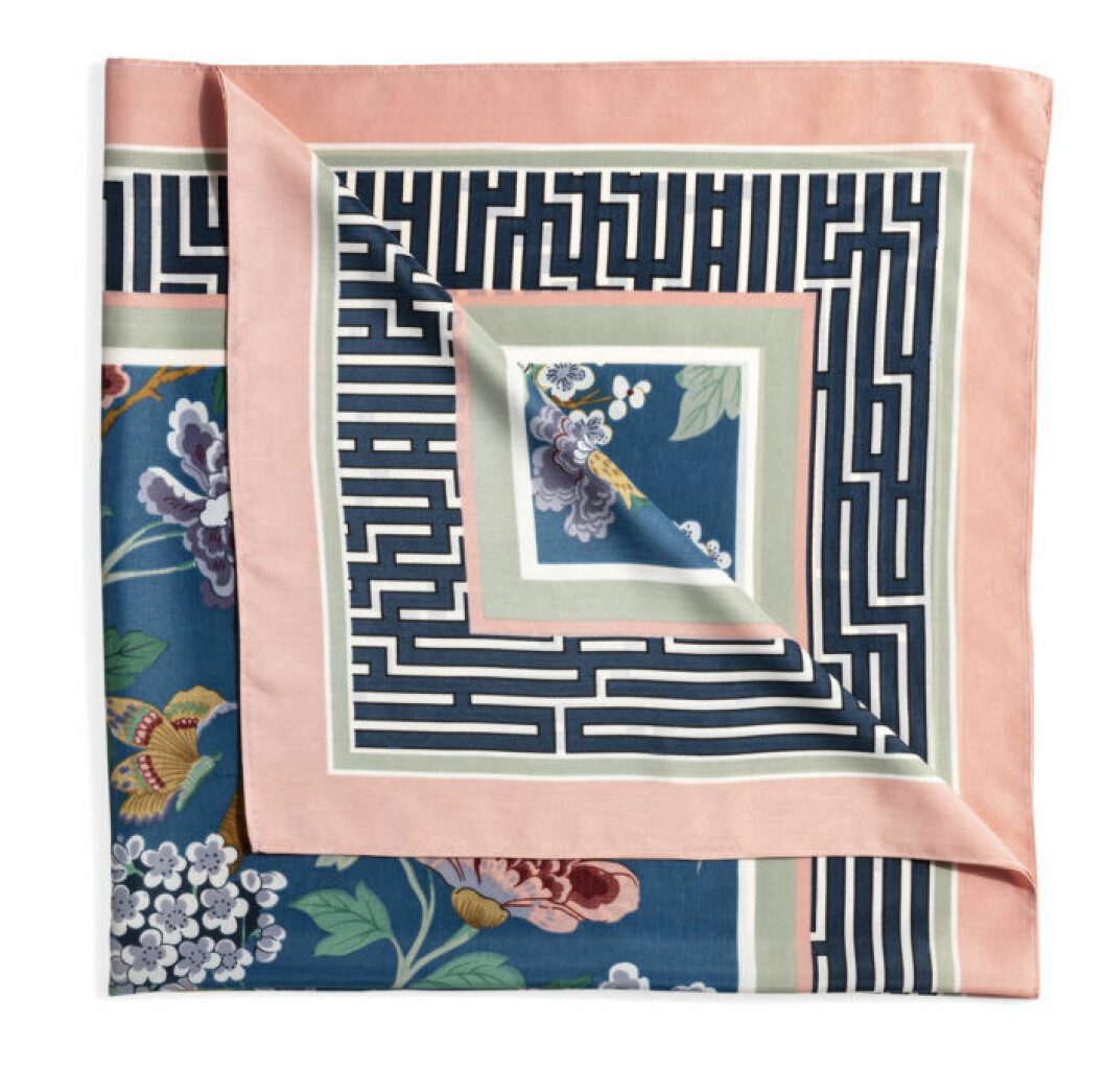 H&M GP & J Baker rosa scarfs