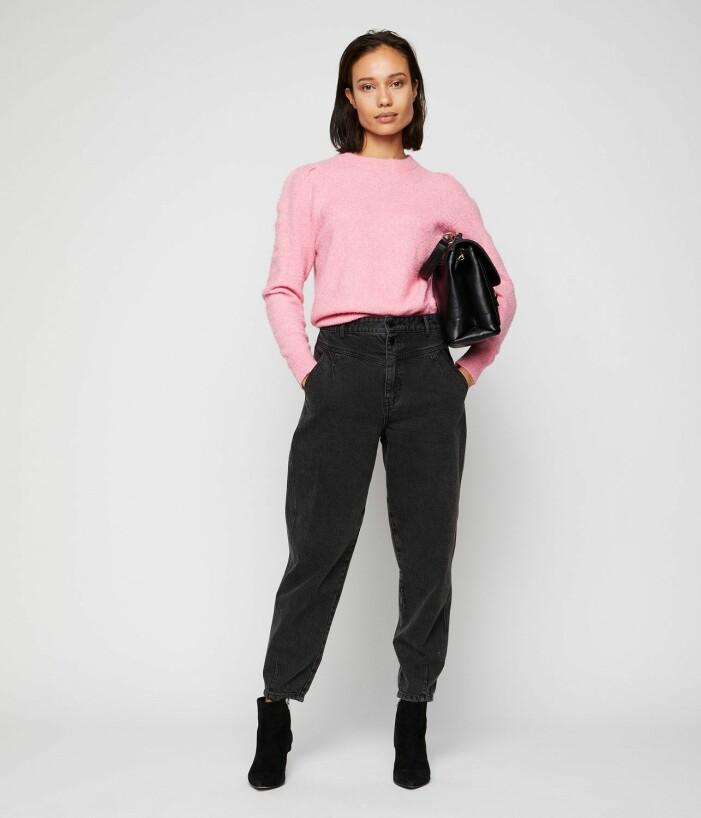 rosa stickad tröja med puffärmar