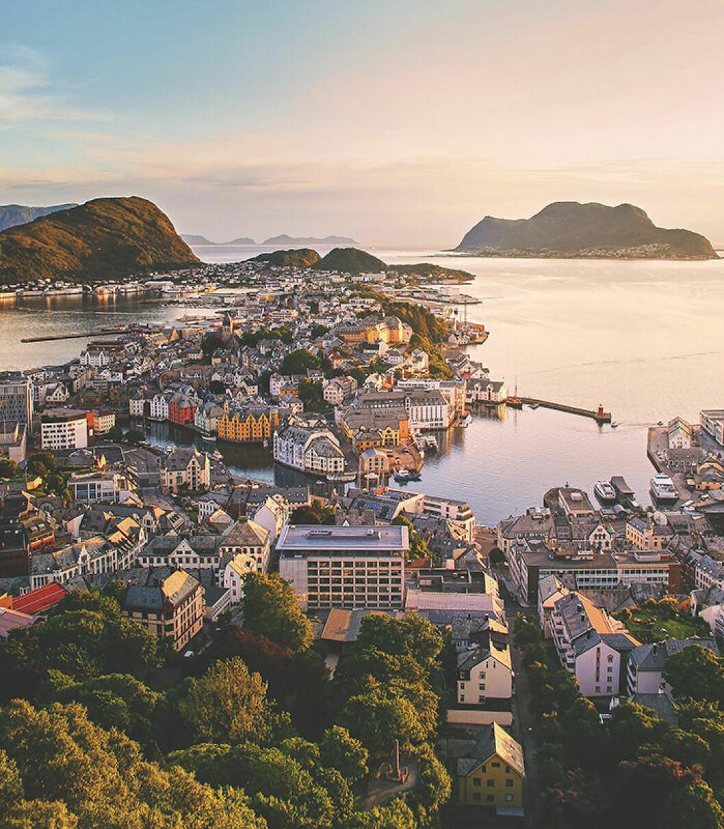 Ålesund är en vacker plats att se i Norge