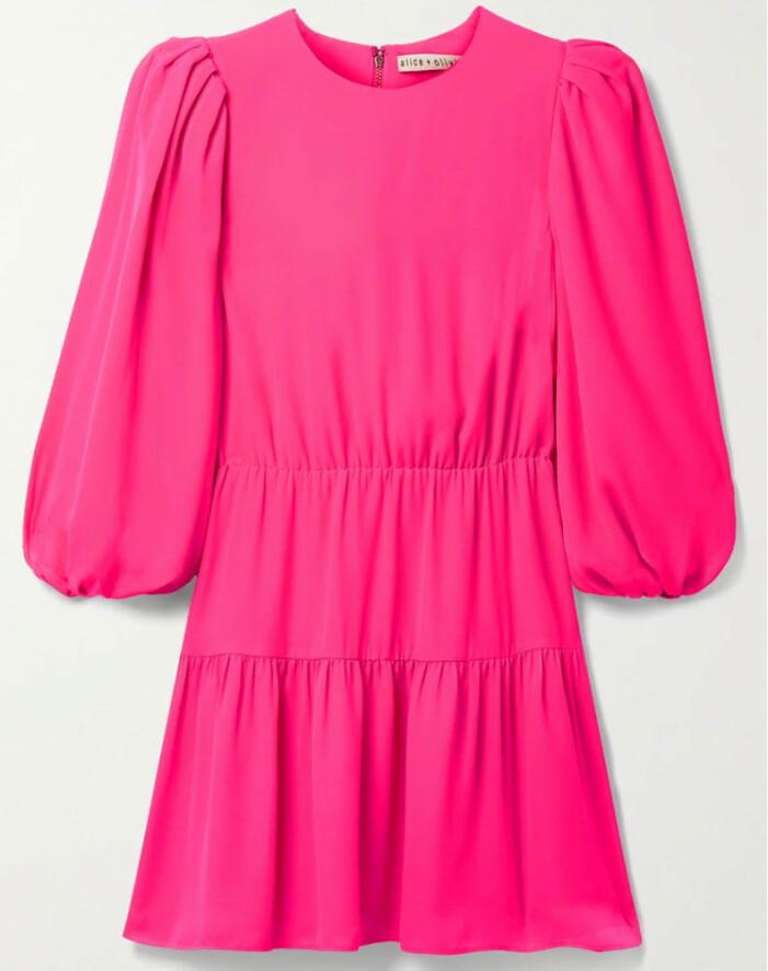 ceriserosa klänning från alice + Olivia