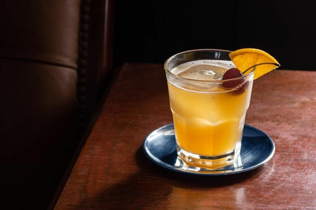 Amaretto cherry, drink enligt stjärntecken, tvillingarna