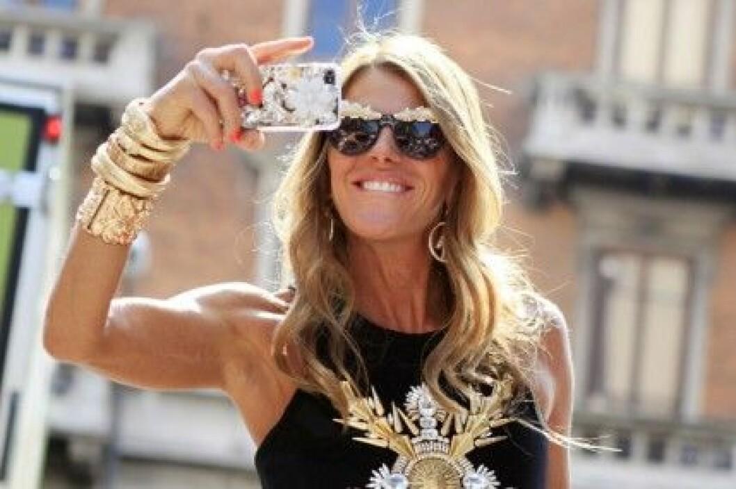Anna Dello Russo sparar inte på bling-blinget. Foto: All Over Press