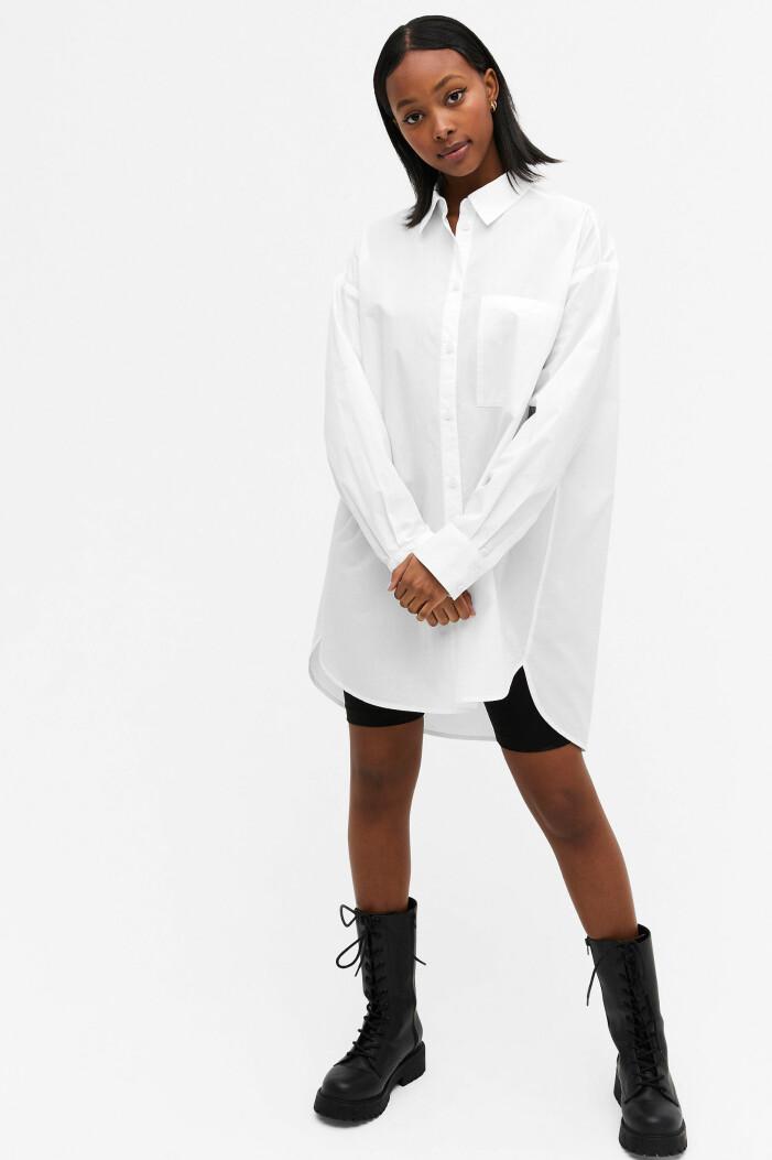 lång vit skjorta från monki