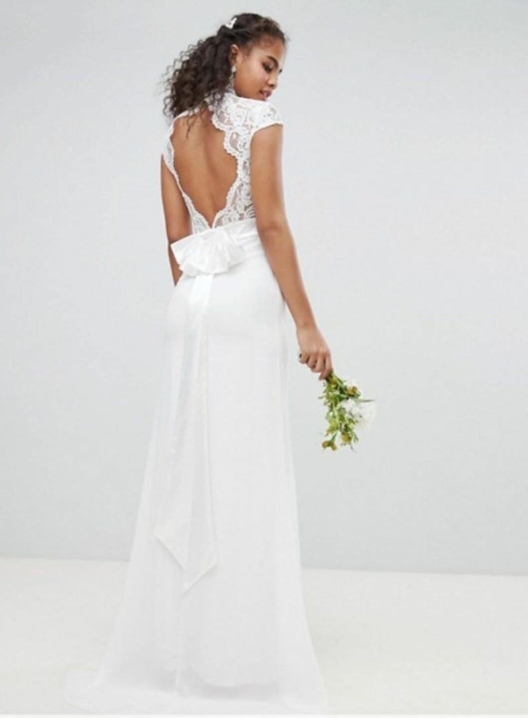 Brudklänning från Asos