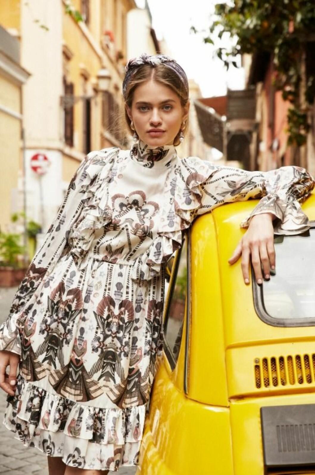Ava mini dress från By Malina