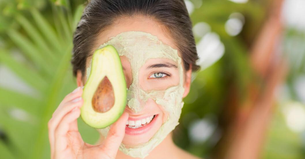 Avokado-harinpackning-ansiktsmask-1