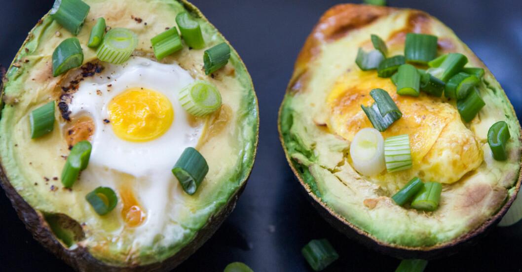 avokado med ägg