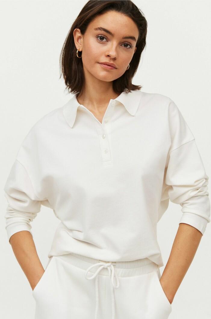 vit tröja med krage
