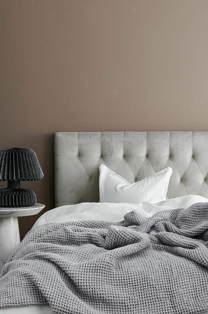 sänggavel med sammet