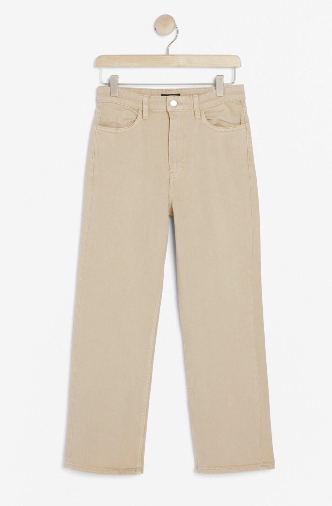 Beige jeans för dam till våren 2020