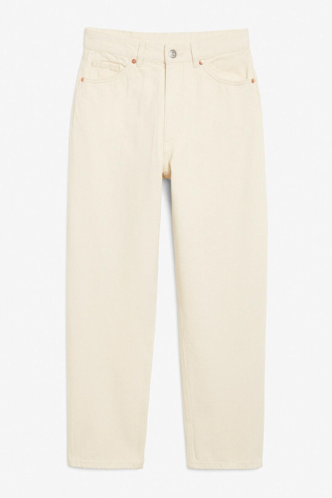 Beige jeans i rak modell till 2020