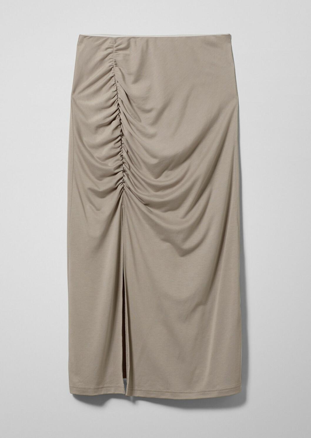 Beige kjol med slits och rynkat tyg till 2020