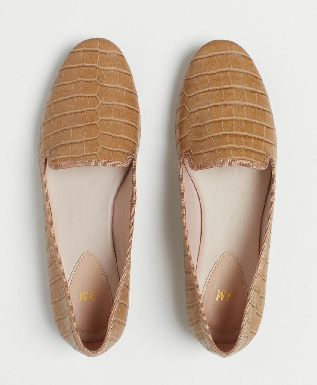 Höstskor 2019: Beige loafers för dam från H&M