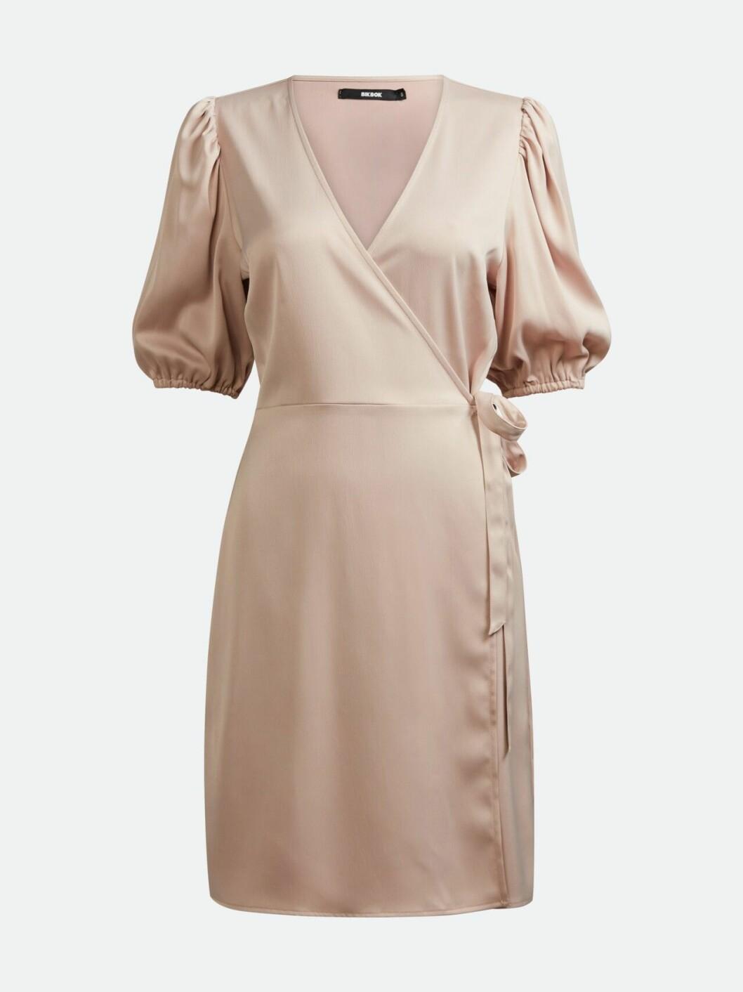 Beige omlottklänning för dam till 2020