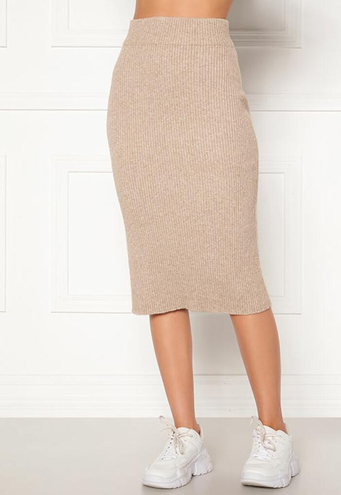 Beige stickad kjol från Vila