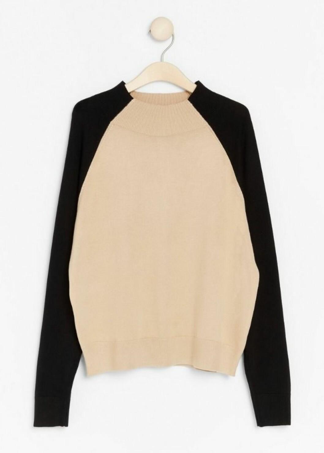 Beige och svart stickad tröja för dam till hösten 2019