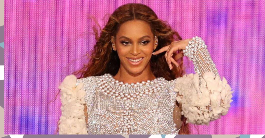 Beyoncé ler och är glad och kastar med håret