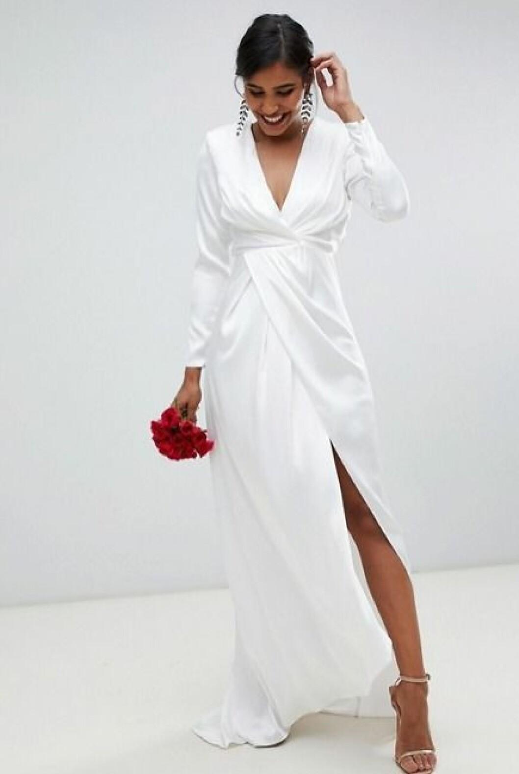 Billig brudklänning med lång ärm 2019