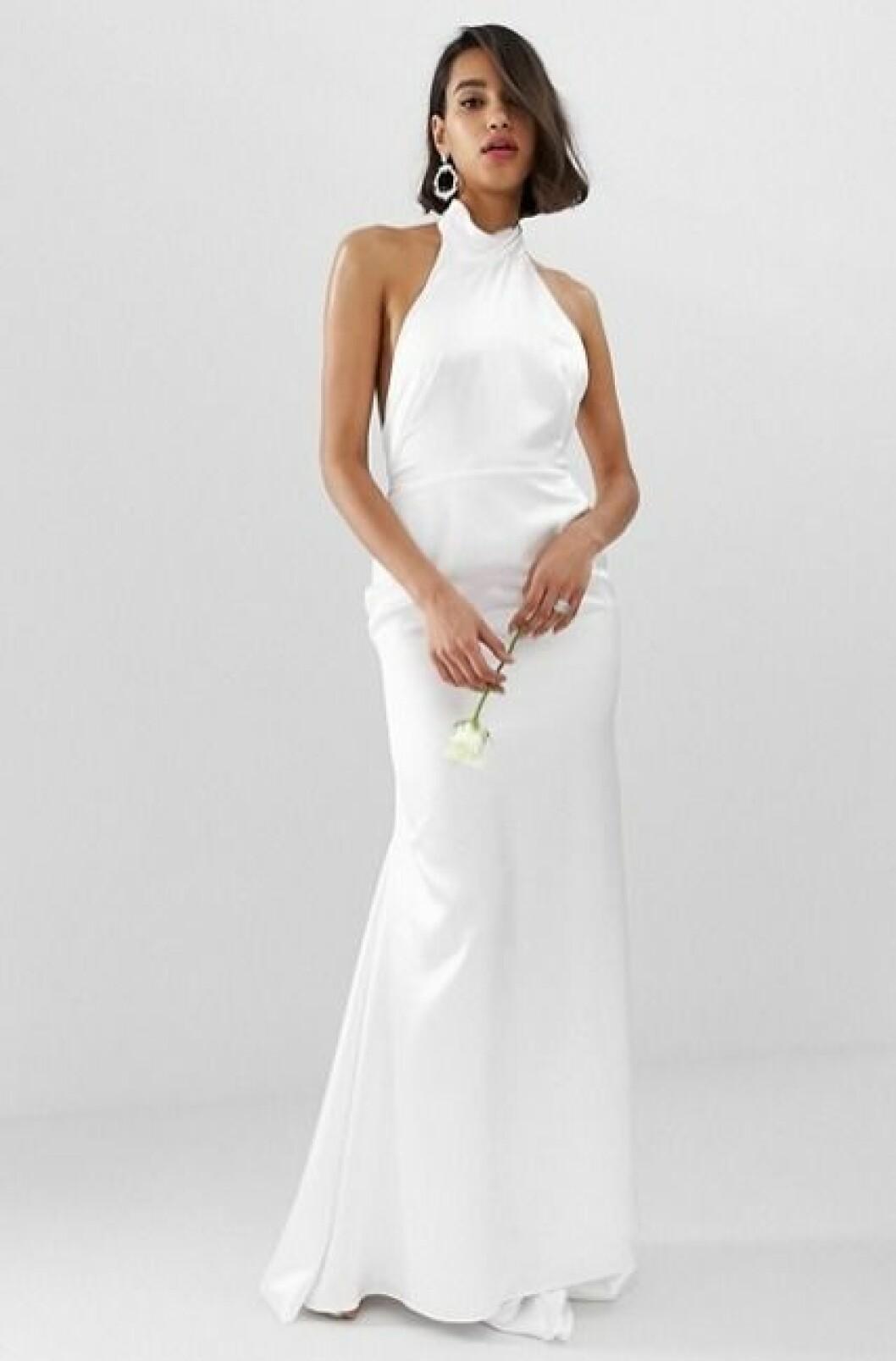 Billig bröllopsklänning med halterneck 2019