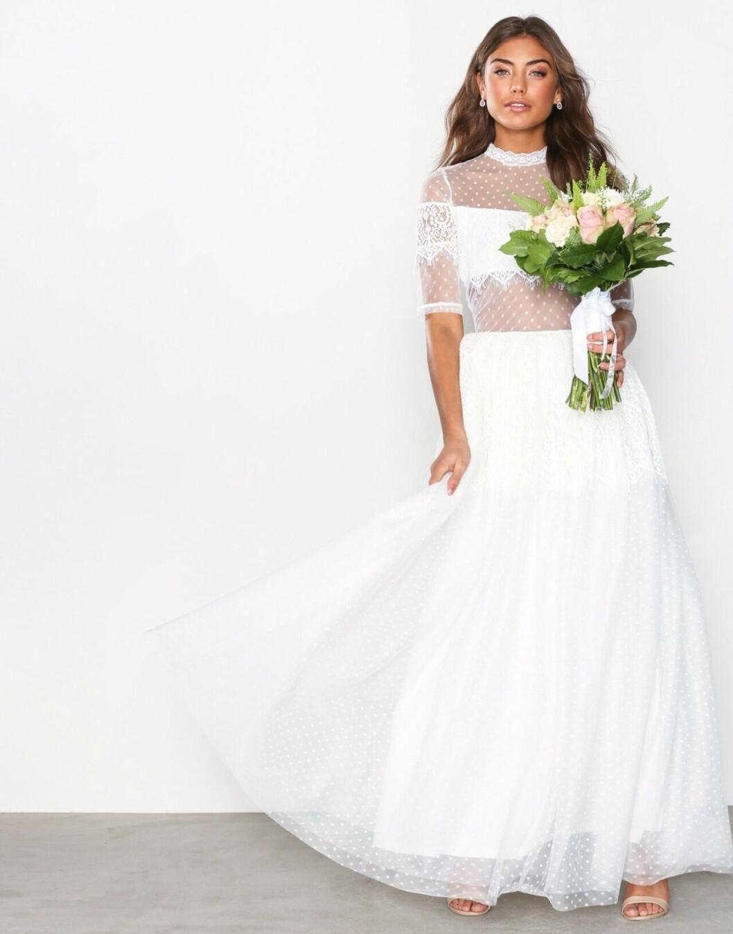 Billig brudklänning i tyll 2019