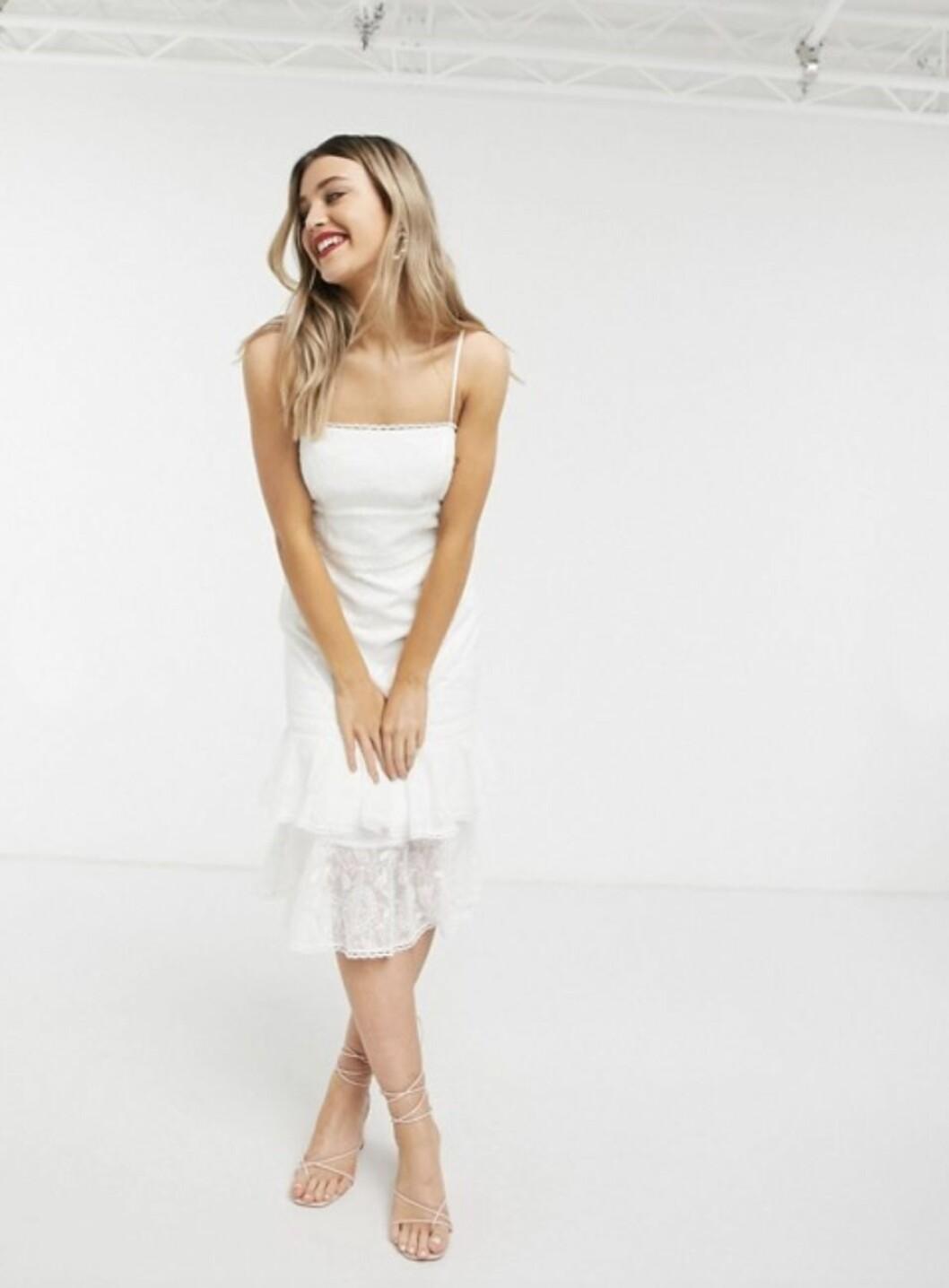 Billig bröllopsklänning i spets