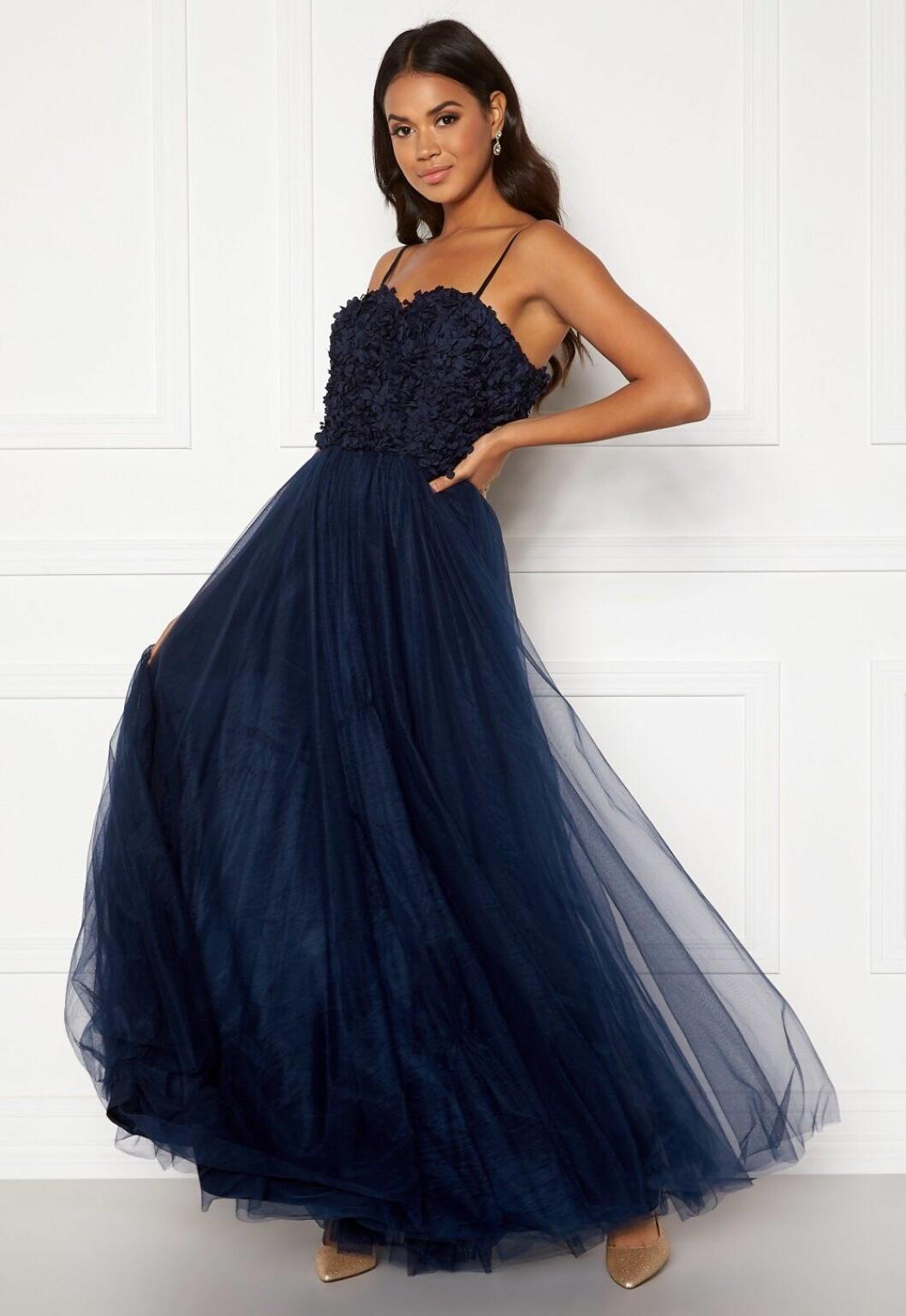 Billig blå balklänning med tunna band till 2020