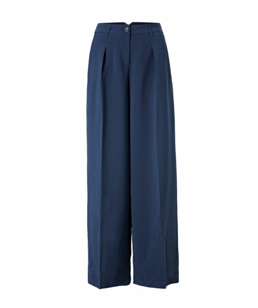 Blå byxor till hösten 2018.