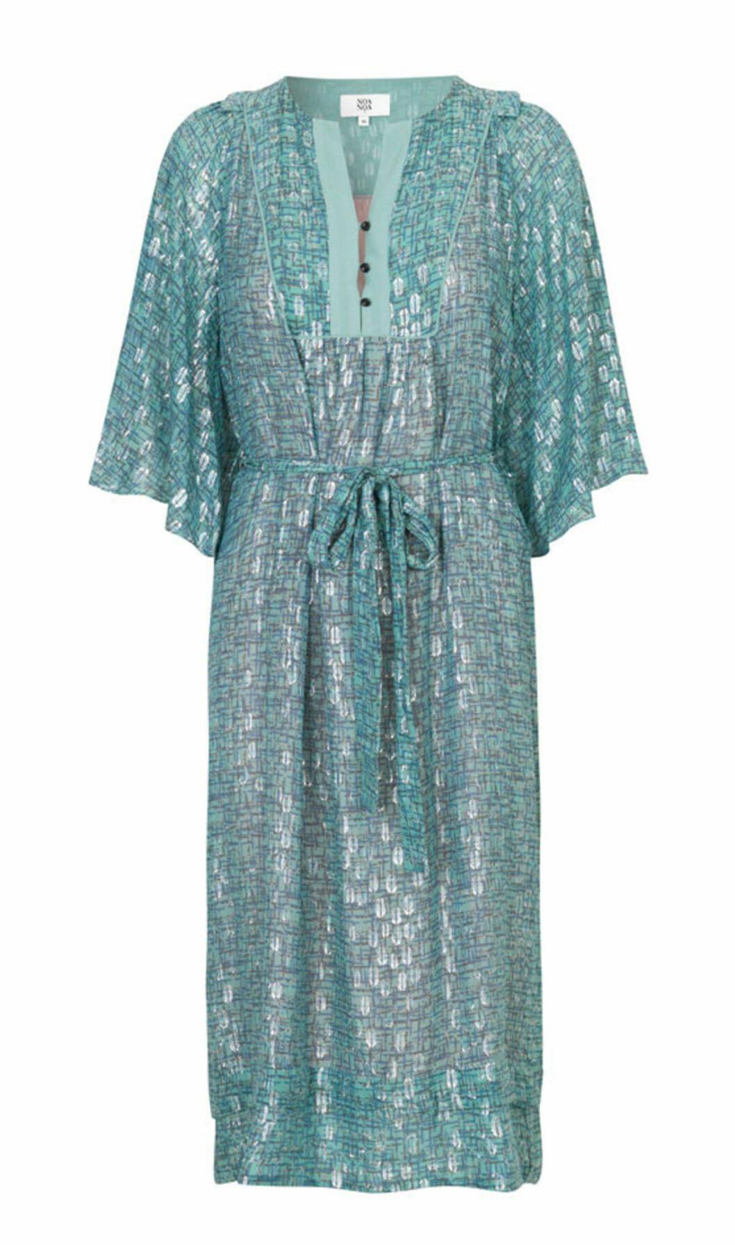 Blå klänning till sommarens bröllop 2019