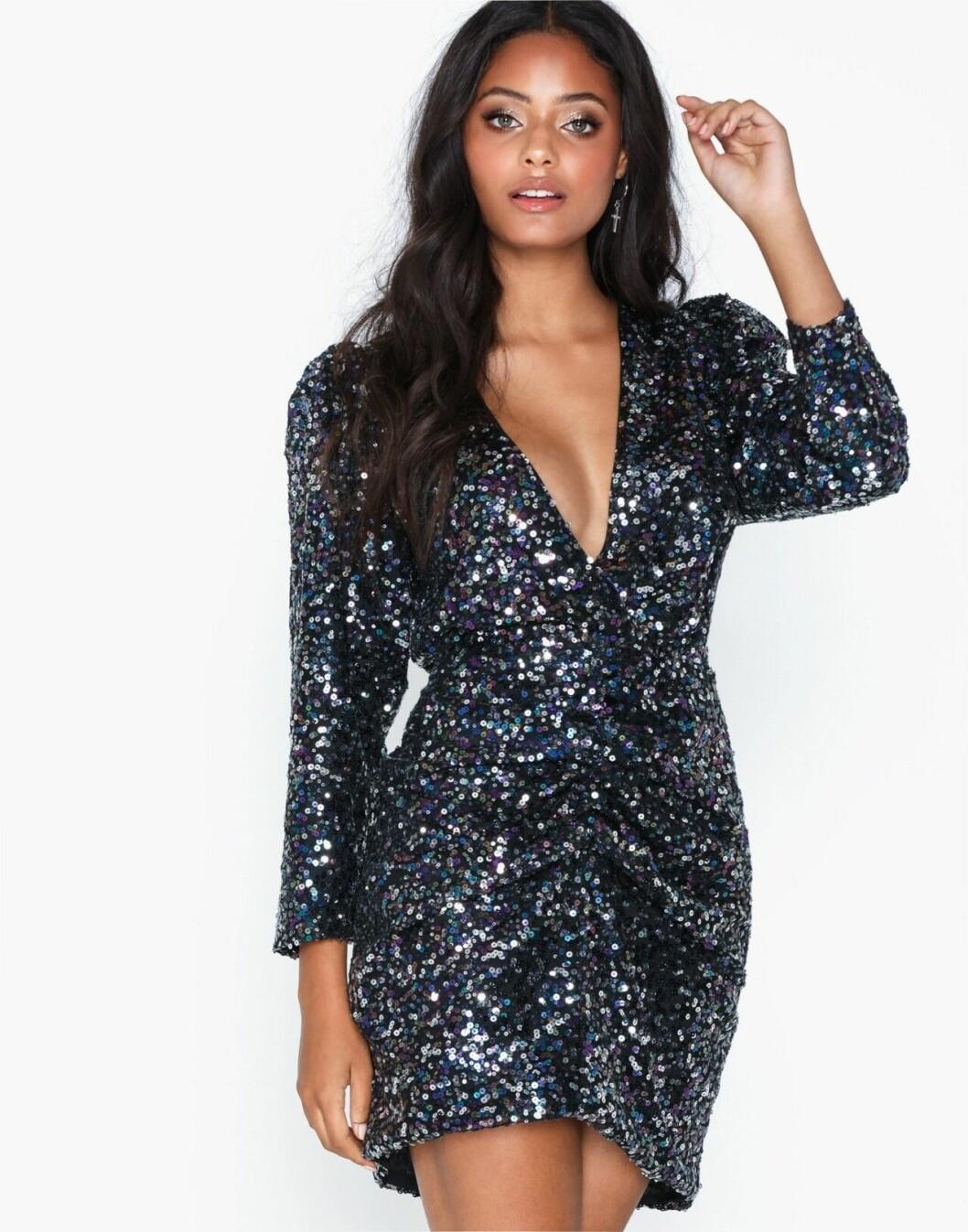 Paljettklänning med v-ringning för dam till 2019