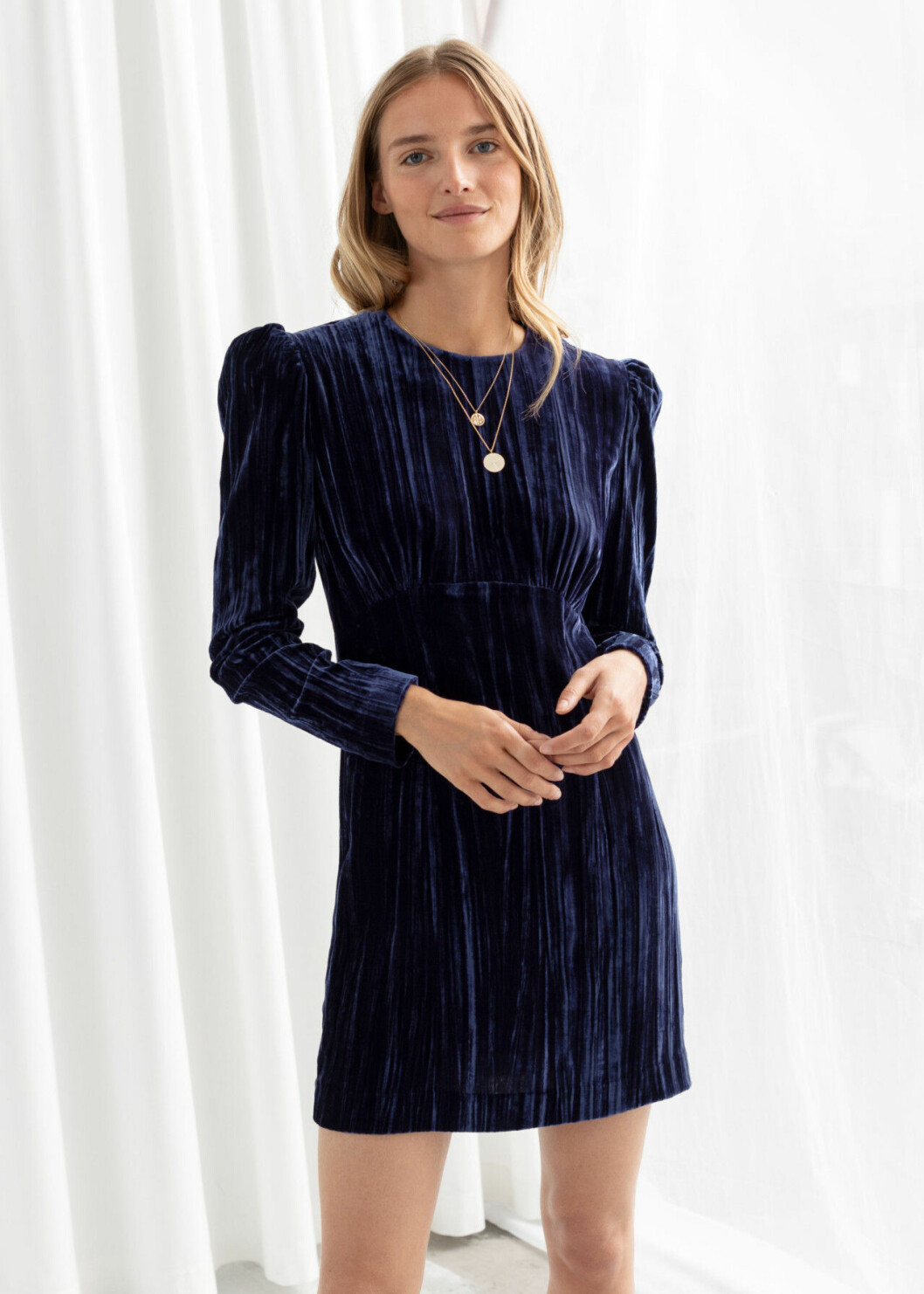 Blå sammetsklänning för dam till fest 2019