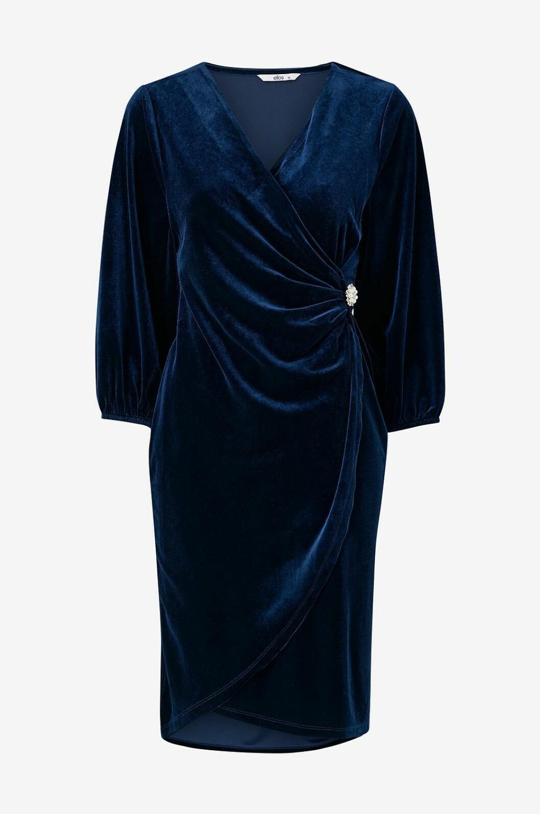 Blå sammetsklänning med drapering i midjan för dam till nyår 2019