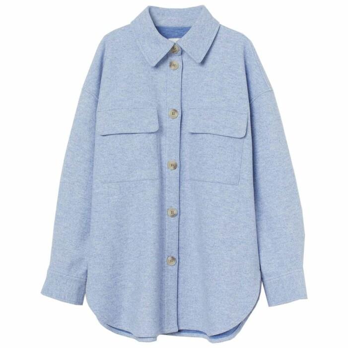 ljusblå skjortjacka