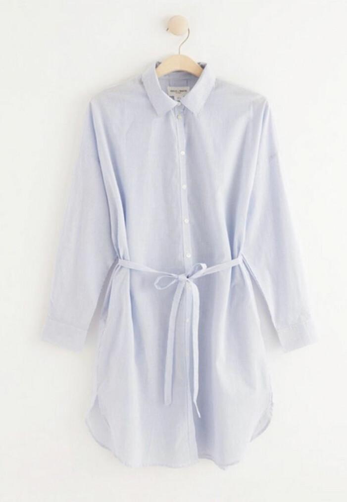 ljusblå skjortklänning