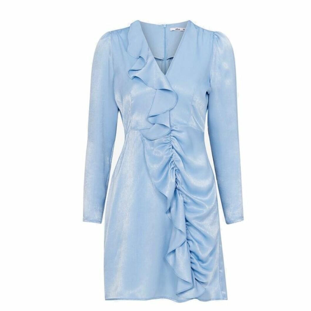 Blå silkesklänning