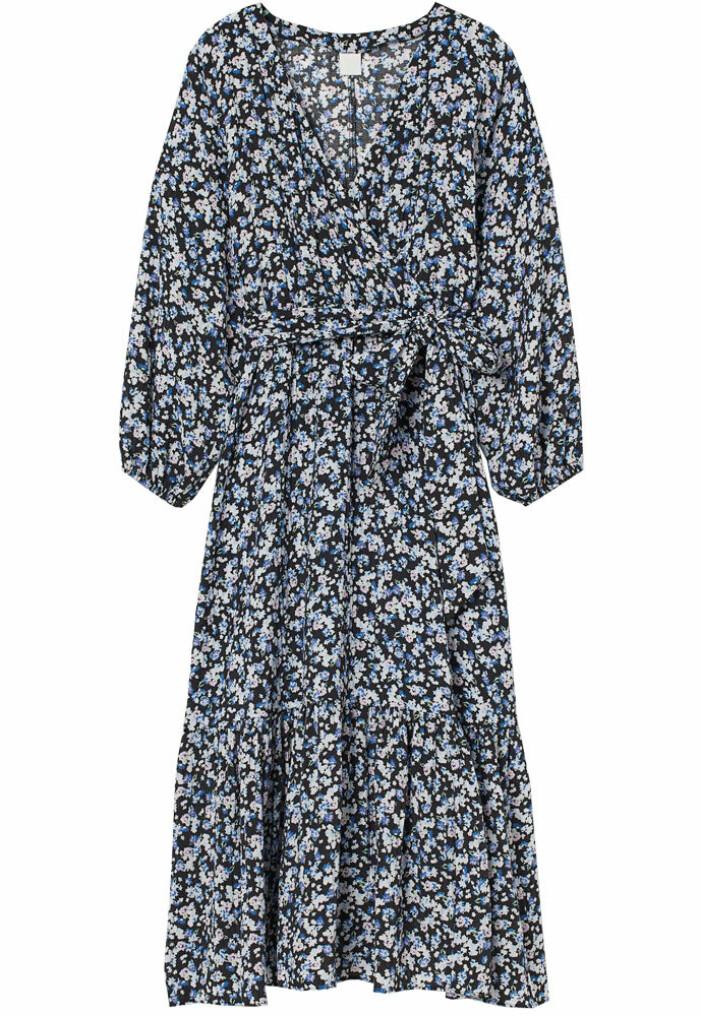 blå blommig långklänning från H&M