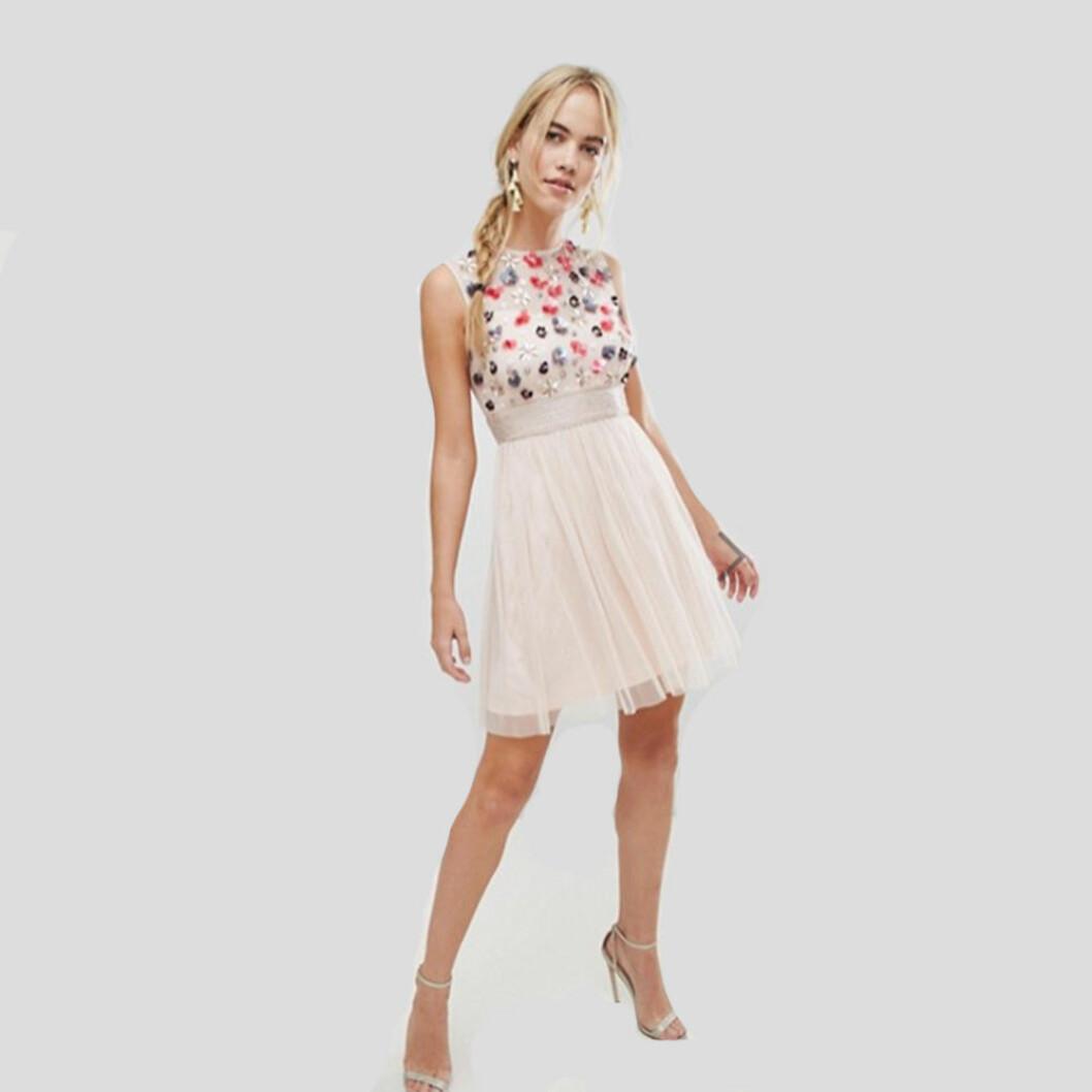 Lace & Beads rosabeige miniklänning