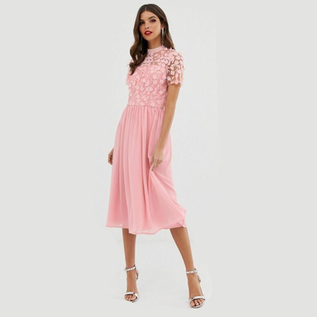 Chi Chi London rosa klänning med tyllkjol