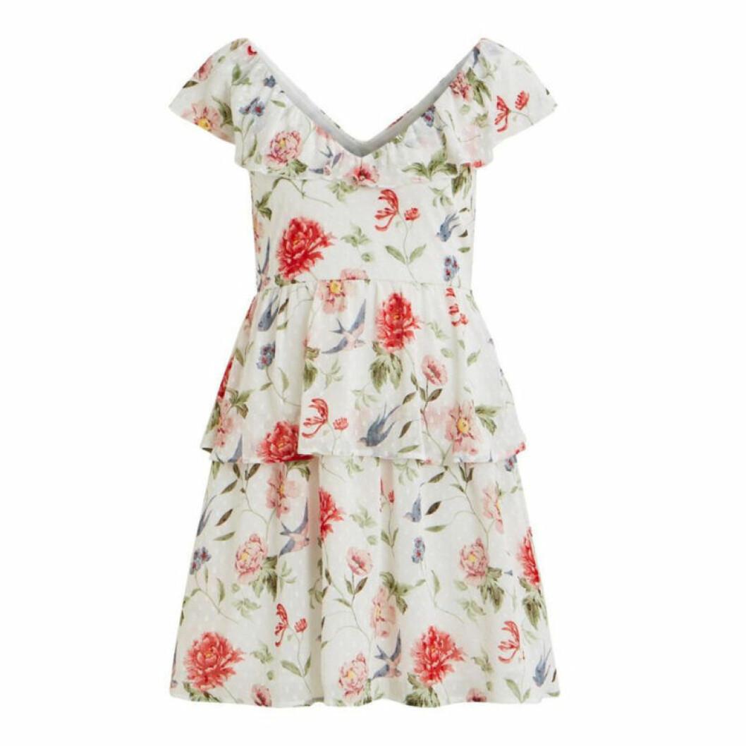 Blommig kortare klänning