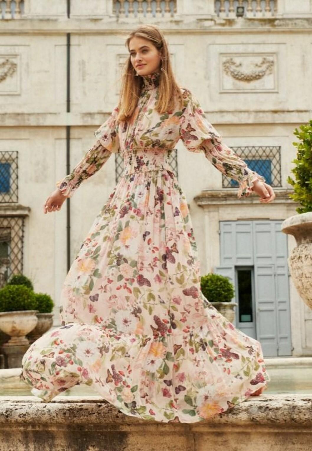 Adriana dress från By Malina
