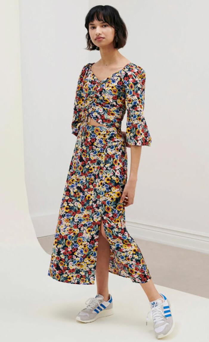 blommigt set med kjol och blus