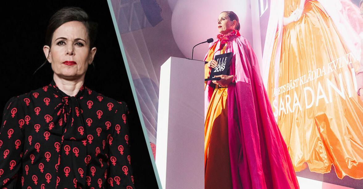 Sara Danius i knytblus och rosa-orange Nobelklänning