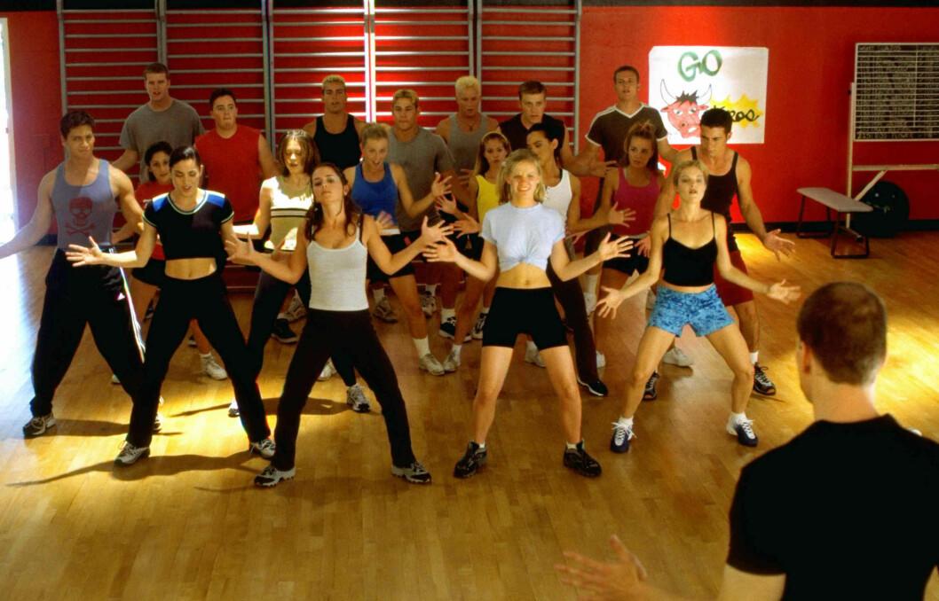 Personer dansar i bring it on