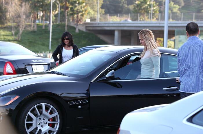 Britney följs av paparazzi!