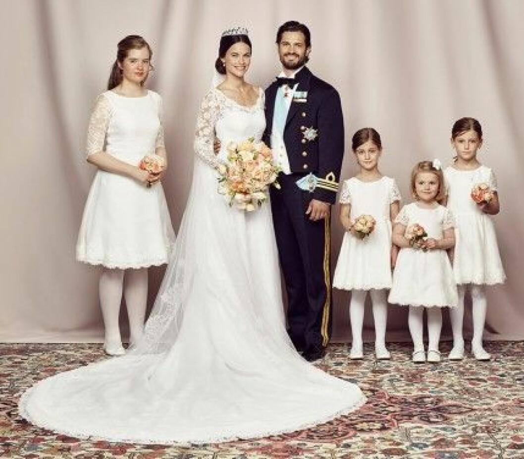 Prinsessan Sofia, prins Carl Philip och deras brudnäbbar.
