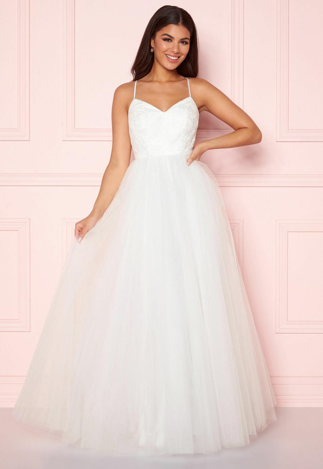 Bröllopsklänning med tyllkjol