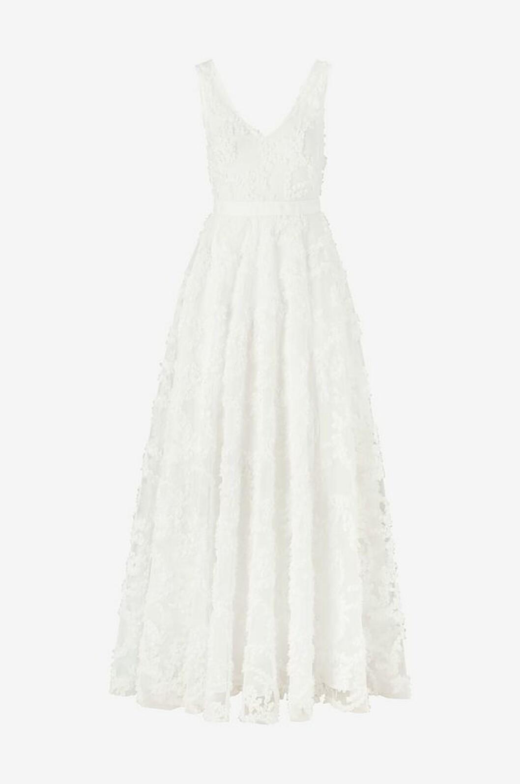 Bröllopsklänning med 3D-blommor från Ellos