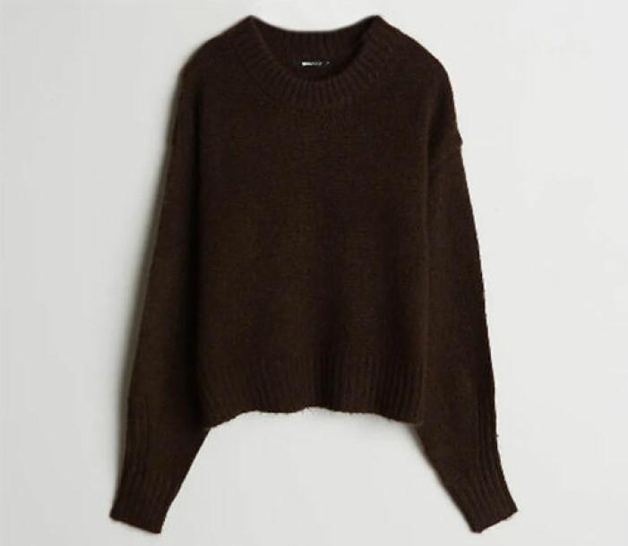 brun stickad tröja med slits för dam