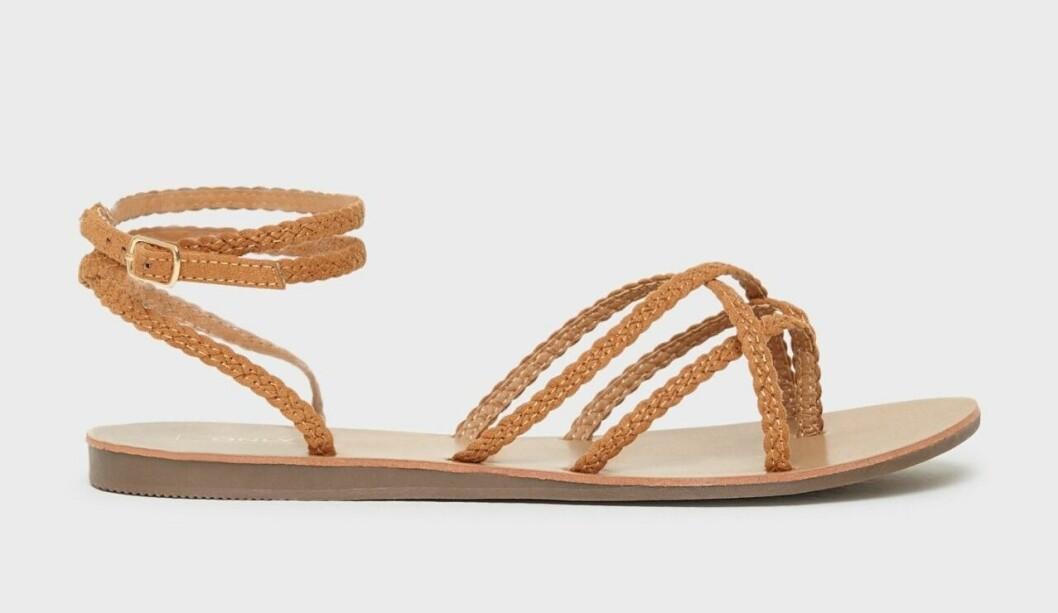 Bruna sandaler med tunna remmar för dam till 2020