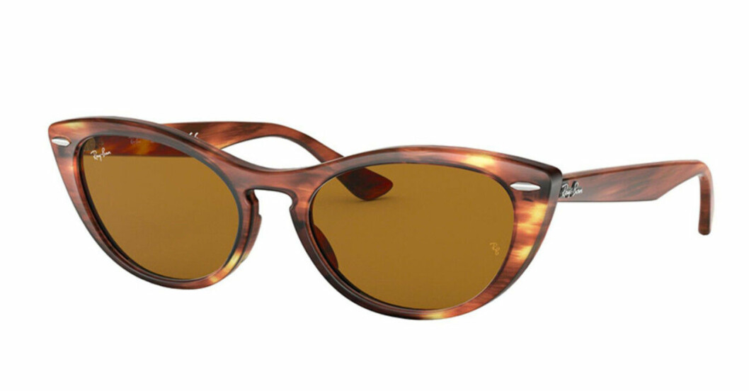Bruna solglasögon i oval modell från Ray-Ban till 2020